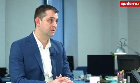 Димитър Делчев пред ФАКТИ: Управляващите извършват национално предателство