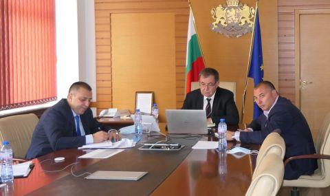 """Министър Бозуков: Експертна работна група с участие на учени ще подпомага сектор """"Пчеларство"""""""