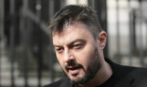 Бареков: Партиите девалвират в очите на българина