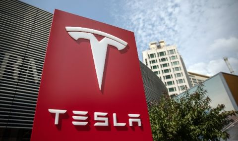 Китай търси обяснение за проблеми с автомобилите на Tesla
