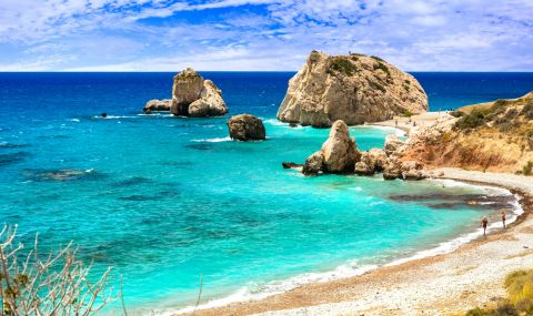Кипър облекчи мерките заради Великия пост