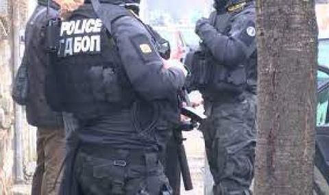 Протест в Казанлък в защита на полицаите от гонката