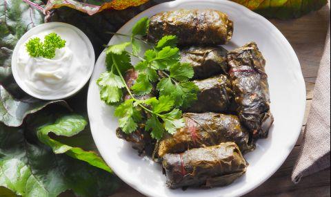 Рецепта за вечеря: Сармички с лапад