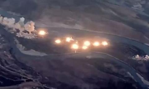 Американски изтребители пуснаха 40 тона бомби (ВИДЕО)
