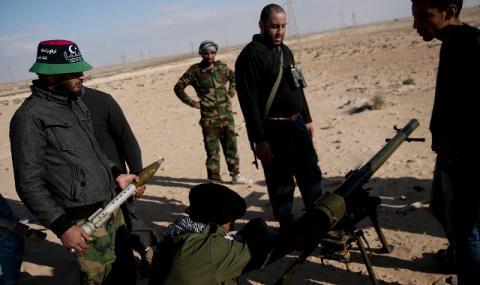 Лондон: Не съществува военно решение за Либия