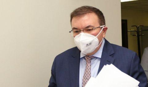 Ангелов: Гласуването е безопасно, не се очаква пик на пандемията след това