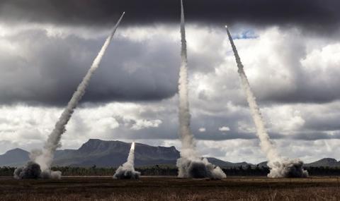 НАТО: Това не е насочено срещу Русия