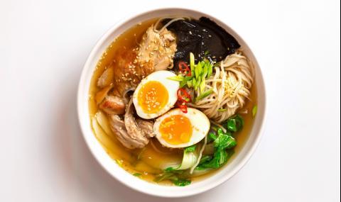 Рецепта за вечеря: Рамен супа с пилешко