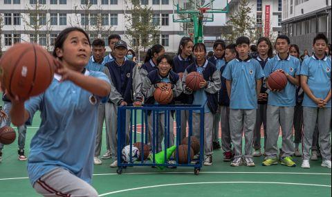 Китай забранява телефоните в училище