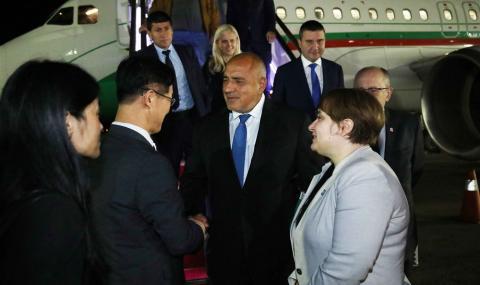 Премиерът пристигна в Сеул
