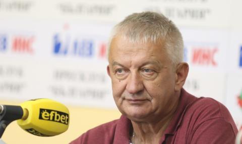 Крушарски: Вече, като ни свирят по друг начин ще вадя отбора