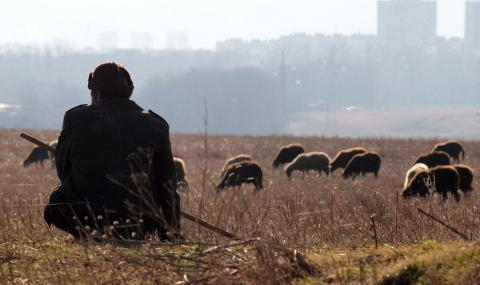 Осъдиха пастир, заплашил със смърт и взел ключовете на беззащитен мъж