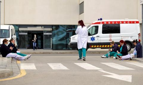 Пандемия! В Испания на всеки 7 минути умира човек