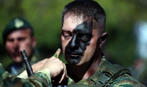 Гръцката армия остава в повишена готовност