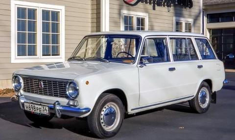 В Щатите продадоха ВАЗ-2102 в идеално състояние