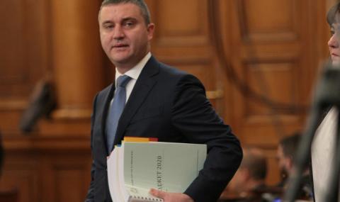Горанов представя нови мерки в помощ на бизнеса