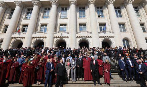 """Антикорупционен фонд: Прокурорите мълчат не от днес – мълчаха и за """"Осемте джуджета"""""""