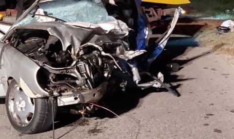 Младеж е пострадал в тежка катастрофа край Варна