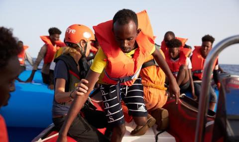 Италия затвори най-големия мигрантски център в Европа