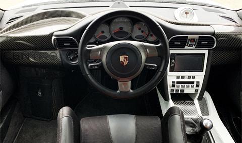Продава се триместно Porsche 911