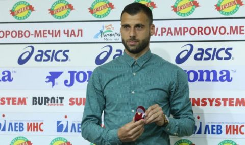 Славия се раздели с двама от най-опитните си футболисти