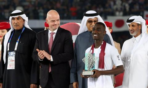 Президентът на ФИФА: Катар е на път да впечатли света на световното