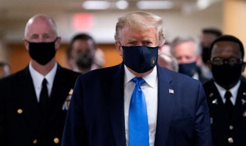 В САЩ вече съветват маска да се носи и вкъщи
