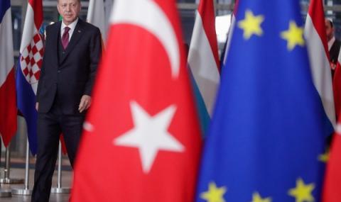 Макрон и Меркел преговарят с Ердоган в Турция