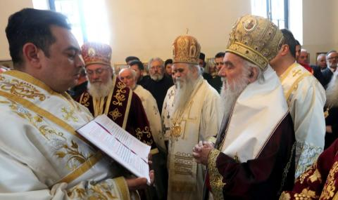 Сръбската църква призова: Стойте си у дома
