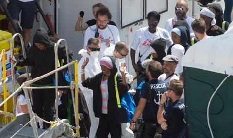 Призив: Кораби с мигранти не трябва да се допускат в Европа