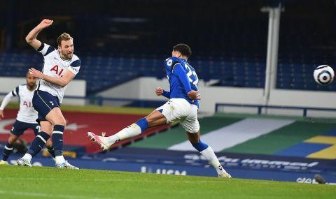 Евертън и Тотнъм отбелязаха четири гола, но не се победиха
