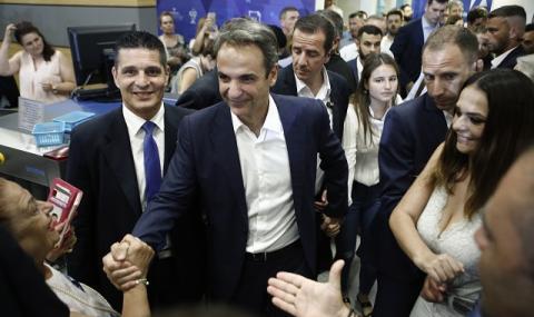 Премиерът обеща: В Гърция не се обсъжда въвеждане на пълна карантина!