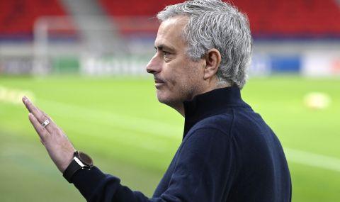 Моуриньо се съгласил да намали заплатата си, за да поеме Рома