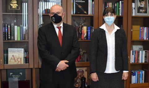 Иван Гешев се е срещнал с Лаура Кьовеши в Съдебната палата