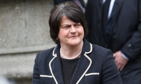 Скандал в Стормонт! Първият министър се оттегля от поста си