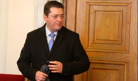 Пламен Узунов може да съди собственика на заведението заради записа