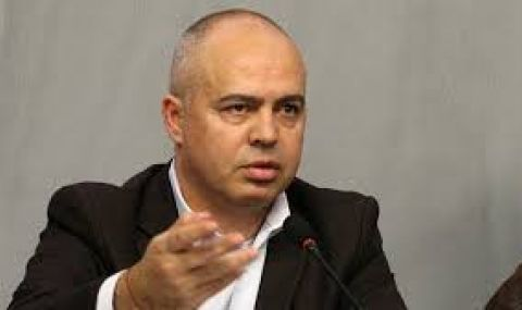 Свиленски: Борисов съсипа държавността