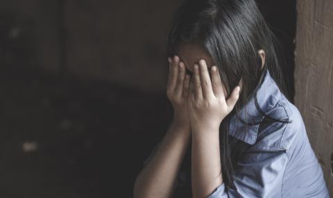 Малко момиче бе изнасилено в американско посолство