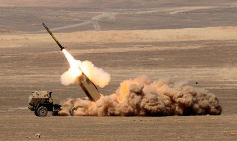 Северна Корея пуска на вода подводница с балистични ракети