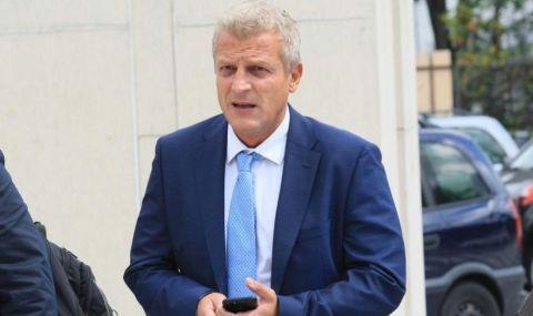 Москов: Правителството трябва да иска оставката на Фон дер Лайен заради ваксините