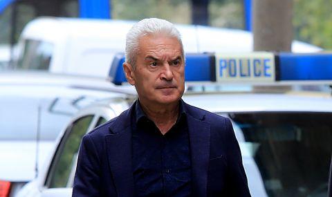 Сидеров: Дадох шанс и на Борисов, и на Каракачанов да се поправят