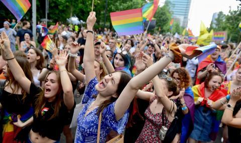 Арестуваха ЛГБТ активисти за оскверняване на паметници