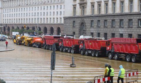 Привикаха в полицията водачите на камионите от протеста - 1