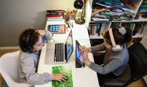 5-и, 10-и и 11-и клас отново учат онлайн