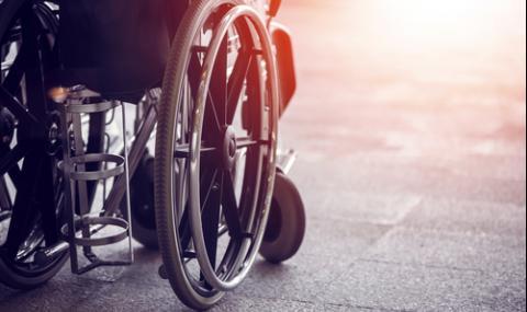 Инвалид: Полицаи ме биха, влачиха и обиждаха