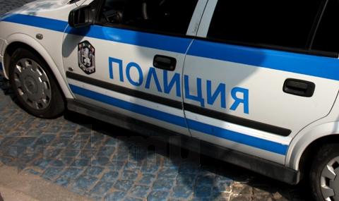 Мъж с тротинетка опита да наръга полицай - 1