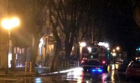 Мъж с опасност за живота след пожар в центъра на Варна - 1