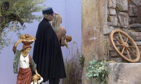 Ватикана обвини активистка на ФЕМЕН в обида и кражба - 1