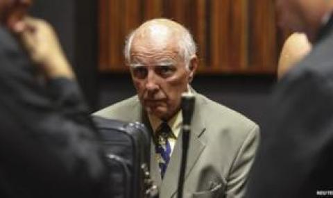Изнасилвачът Боб Хюит бе освободен предсрочно от затвора