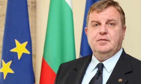 Каракачанов пуснал полет на руски зенитни комплекси за Сърбия